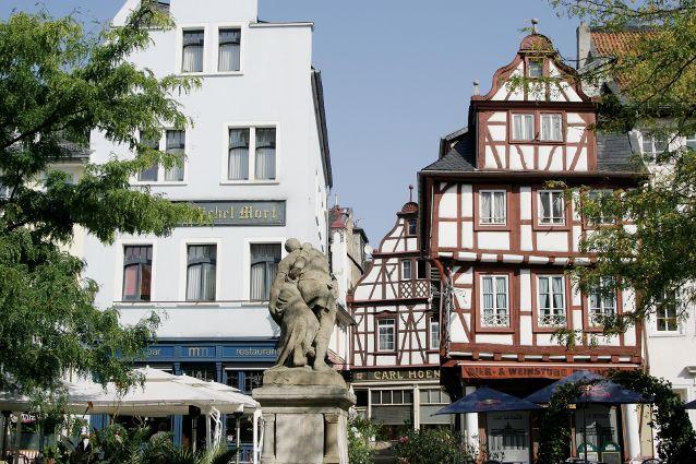 Bad Kreuznach Weihnachtsmarkt.Eiermarkt Mit Michel Mort Denkmal